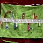 Tuto du tapis d'éveil en 9 coussins : le coussin à étiquettes