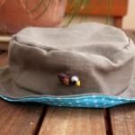 Chapeau d'aventurier pour bébé et enfant (tuto et patron)