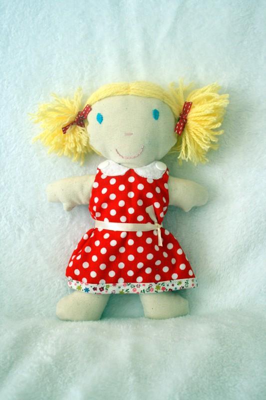 mini poupée