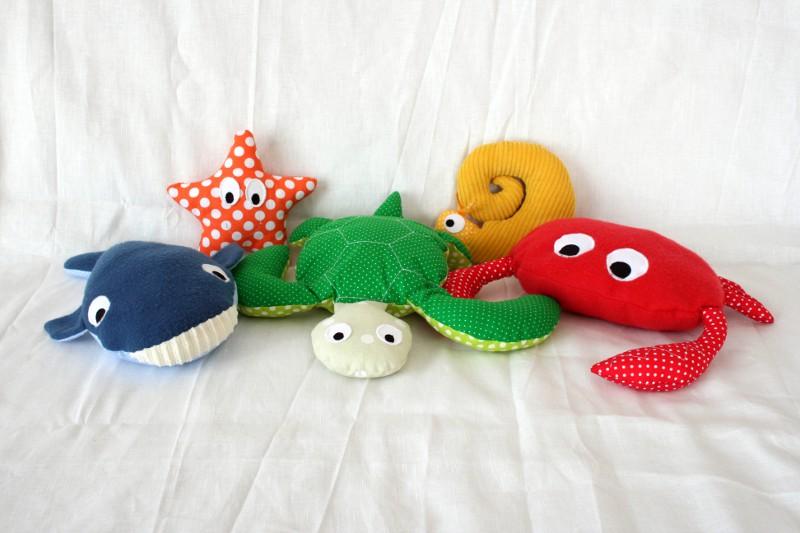 fabrication d un tapis histoire petit poisson blanc le crabe couture pour enfant isastuce. Black Bedroom Furniture Sets. Home Design Ideas