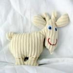 Le tapis à histoire de La petite taupe qui voulait savoir qui lui avait fait sur la tête : La chèvre